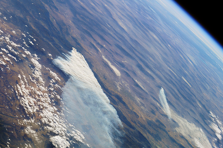 Astronaut photograph of the Twitchell Canyon Fire.