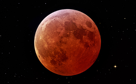 Photograph of the lunar eclipse on March 3, 2007