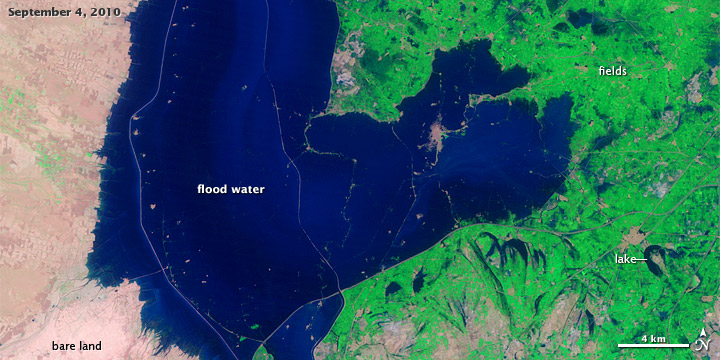 Satellite image of Pakistani floods from September 4, 2010.