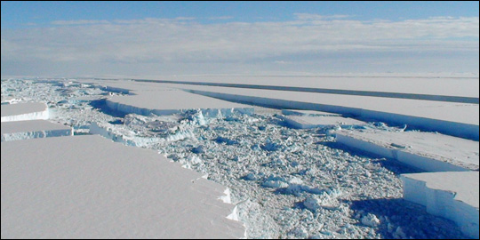 Aerial photograph of the breakup of the Wilkins Ice Shelf.