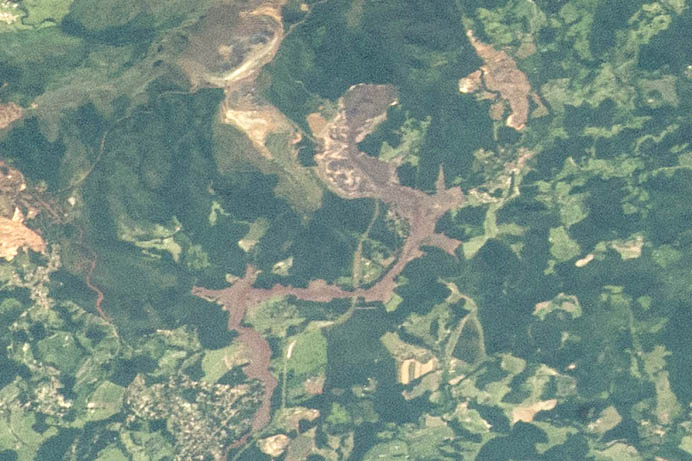 Astronauts Photograph Brazil Mine Tailings Disaster