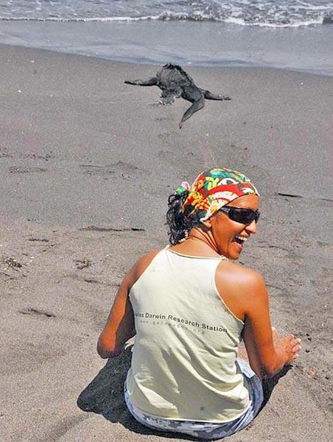 Mariana enjoying some time with the iguana
