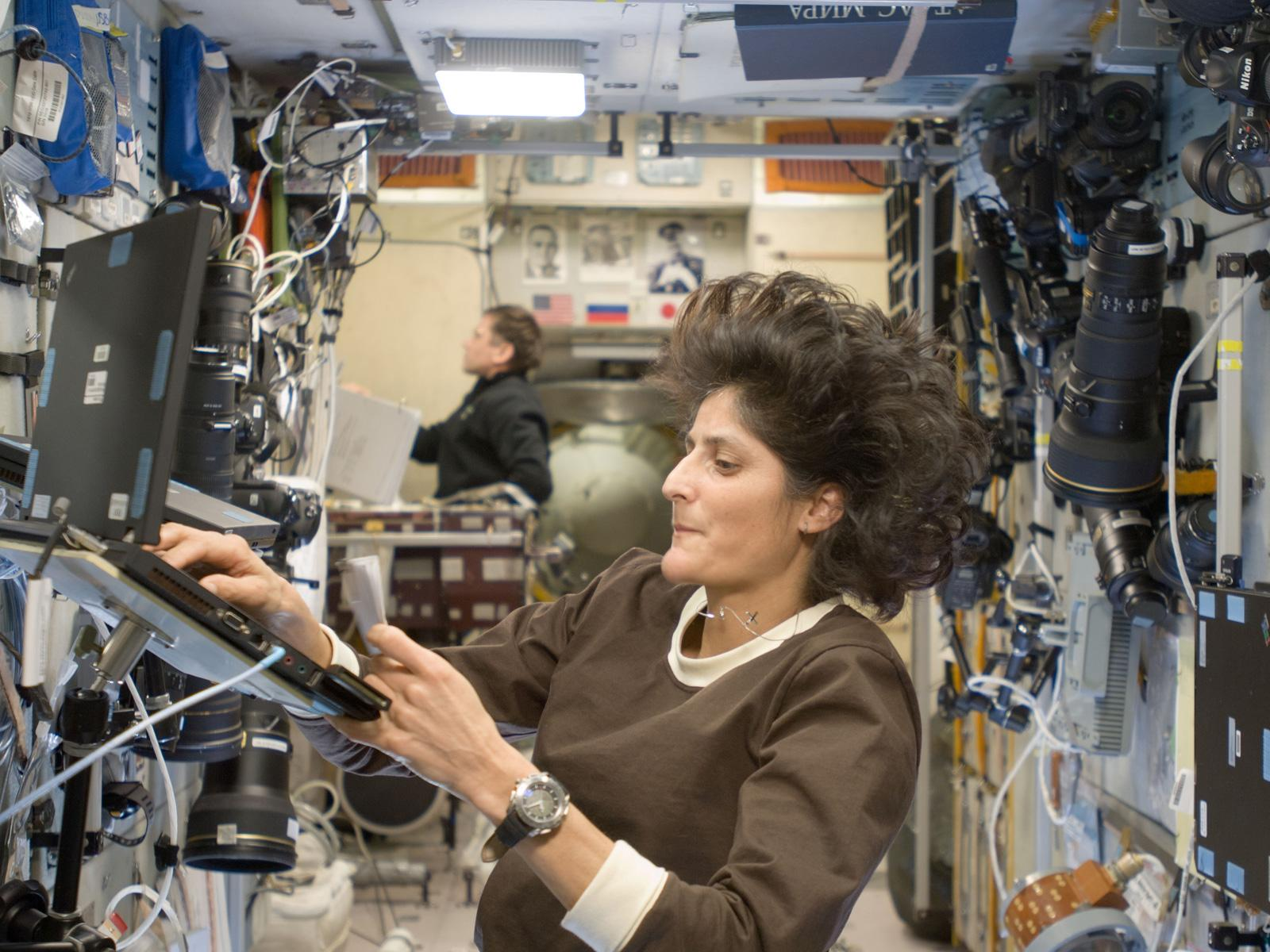 sunitha willims This is a hoax it has been claimed on various websites, blogs, forums, and in  chain e-mails/mass sms texts, that sunita williams had converted from hinduism .