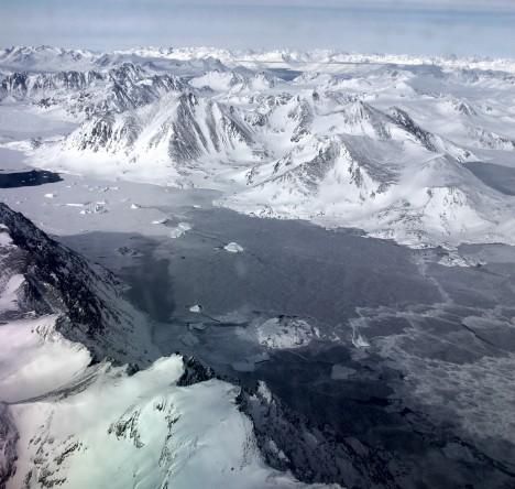 Icebergs trapped in sea ice (Credit: Ludovic Brucker)