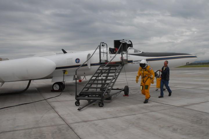 NASA ER-2 pilot Denis Steele, in a pressurized flight suit, before a July 16 flight over Alaska's glaciers. (Credit: Kate Ramsayer/NASA)