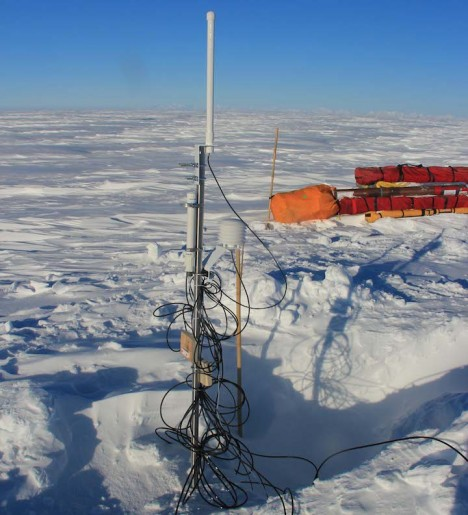 Monitoring station ready to transmit data (temperature and pressure) for a year or more.