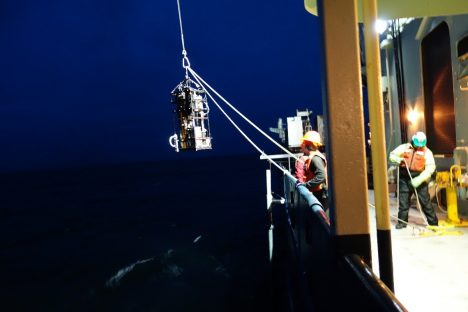 Night Time deployment of the IOP frame. Photo: Nicholas Huynh